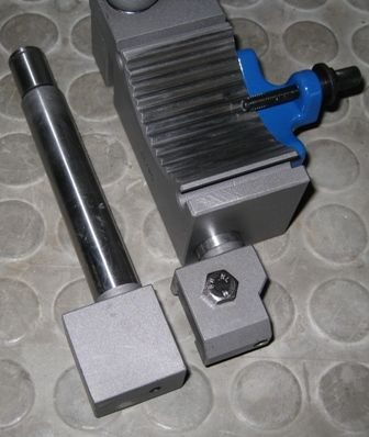 threading holder and blank shaft1.jpg