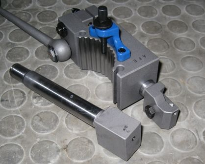 threading holder and blank shaft.jpg