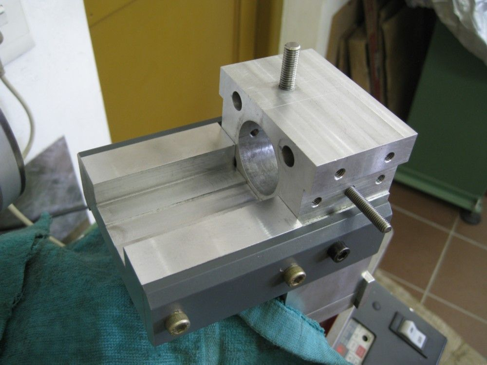 collet block table.jpg