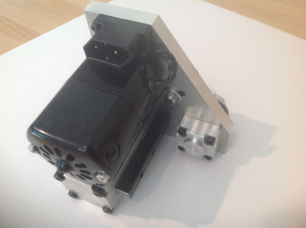 how to make a sewing machine motor run backwards