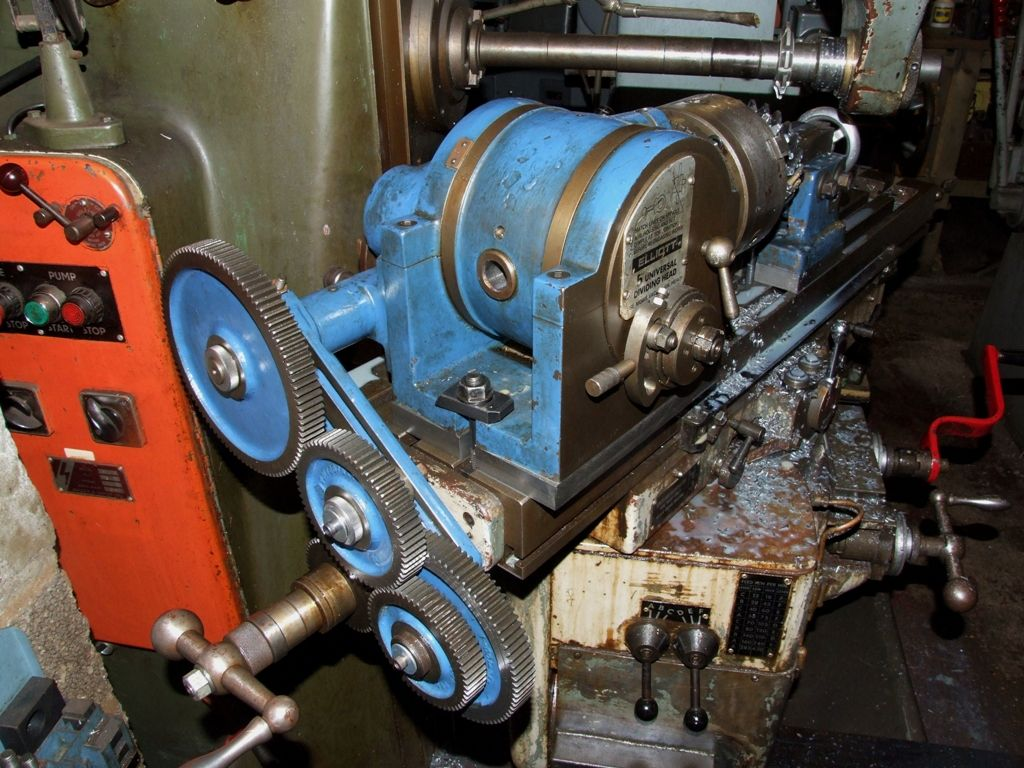 helical gear cutting lh.jpg