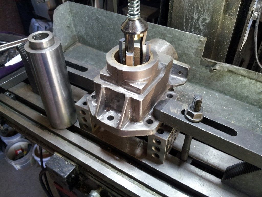 035 axle bearing honing (medium).jpg