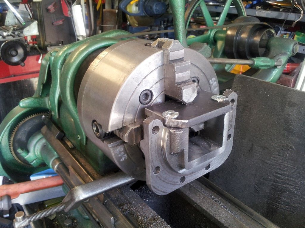 052b crankshaft housing lathe (medium).jpg